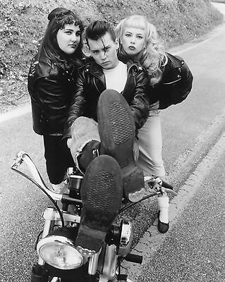 Cry-Baby / Johnny Depp & Traci Lords 8 x 10 / 8x10 GLOSSY Photo Picture