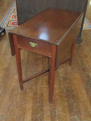 Antique American Pembroke Chippendale Drop Leaf Table  18th Century Americana