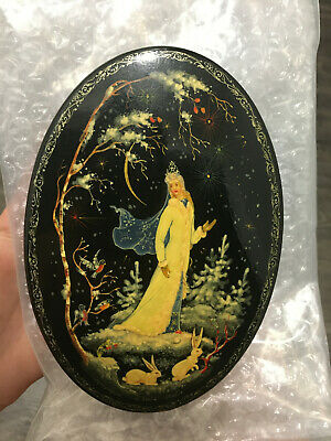"""Vintage Russian Lacquer Box """"Snow Maiden"""" Oval Box"""