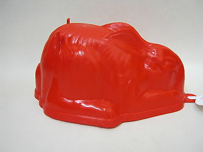 New Zeal Plastic Rabbit  Shape Jelly Mould Red L31