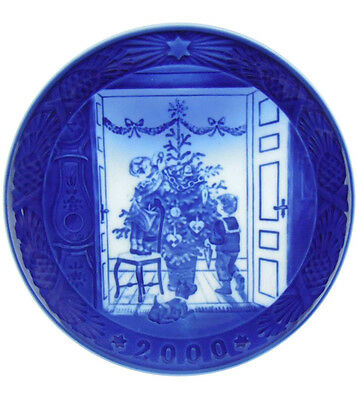 Royal Copenhagen 2000 Christmas Plate NIB Trimming the Tree NEW IN BOX