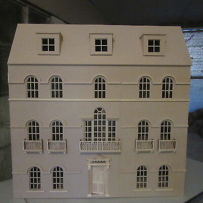 1/12 scale Dolls House The Windsor House Kit    DHD 1601
