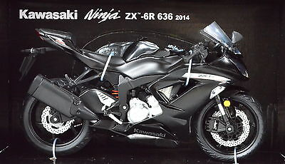 Kawasaki Ninja ZX-6R 636 black Year 2014 Scale 1:12 Motorcycle Model