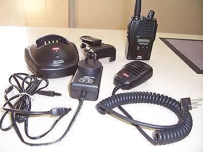 2X GME GX720 Commercial UHF portable radio (with 80channel CB programmed)