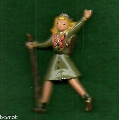 VINTAGE 1960's GIRL SCOUT PLASTIC PIN