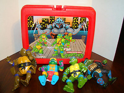 Teenage Mutant Ninja Turtles Lunch Box and Figures