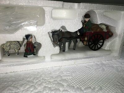 Dept 56 Dickens Village Series BRINGING FLEECES TO THE MILL #58190 mib RET