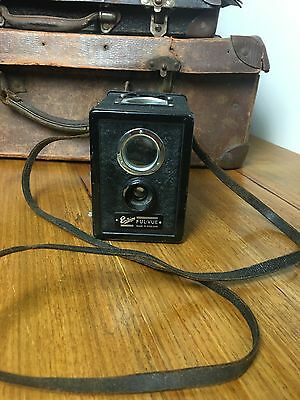 VINTAGE LATE 30s BOX CAMERA ENSIGN FUL-VUE MADE IN ENGLAND. COLLECTABLE