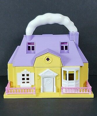 Blue Box HELLO KITTY PLAY HOUSE CHILD with Extras Hard to find color