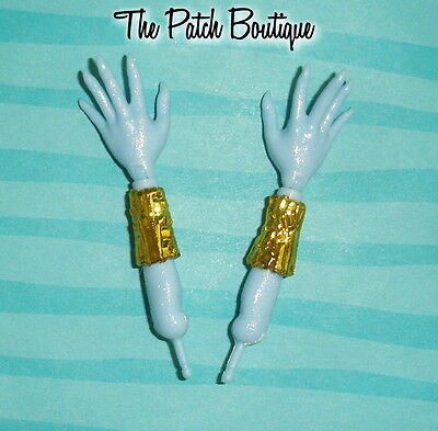 Monster High 13 Wishes Abbey Replacement Doll Arm Left Or Right W/ Cuff Bracelet