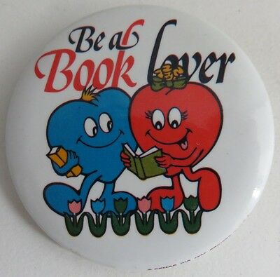 Vintage Be A Book Lover Pin Pinback Button             (Inv10979)