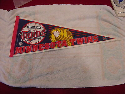VINTAGE 1990's Minnesota Twins Full Size 29 Inch Pennant, VERY COOL!!
