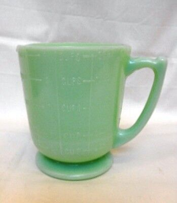 New Jade Green Depression Style Glass Measuring Cup 4 Cup Jadeite Pitcher Retro