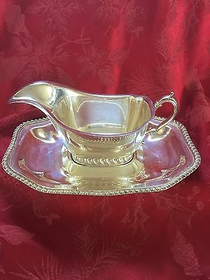 EXCEPTIONAL Vintage SILVER PLATED Pedestal GRAVY SAUCE BOAT & UNDER-PLATE