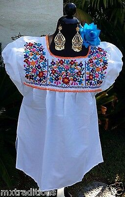 Mexican Hippie Peasant White Hand Embroidered Blouse. Blusa Bordada Blanca