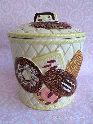 VINTAGE Cookie Jar - Superior Underglaze Japan