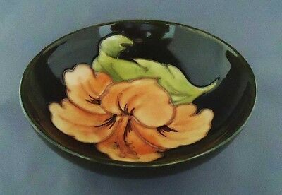 Handpainted Moorcroft (England) art pottery hibiscus circular footed bowl