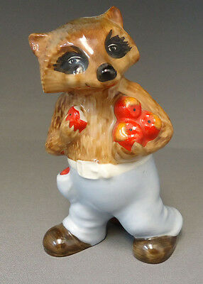 Ringtale Raccoons Figurine By Goebel Germany - Carrying The Apples