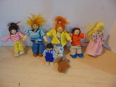 """Dollhouse Wooden Doll Family Plan Toys and Others  Family  4-6"""""""