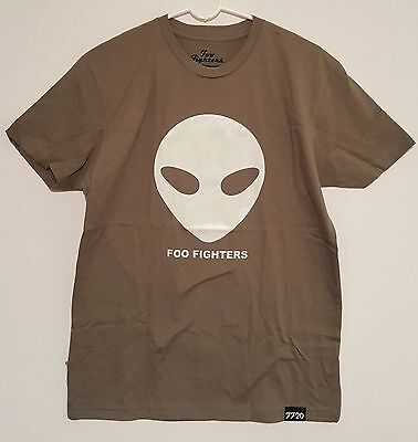 Foo Fighters NEW Medium Roswell Alien Glow In The Dark T Shirt 20th Anniversary