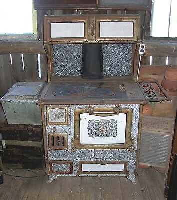 EARLY 1900s ANTIQUE HOME COMFORT WOOD COAL COOK STOVE