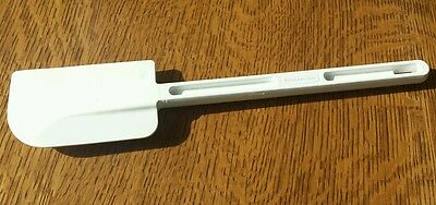 "Rubbermaid Commercial Spatula Scraper 13.5"" White"