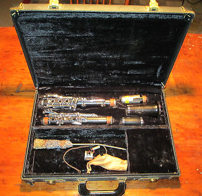 Selmer Signet Soloist Clarinet nice vintage clarinet and carrying case