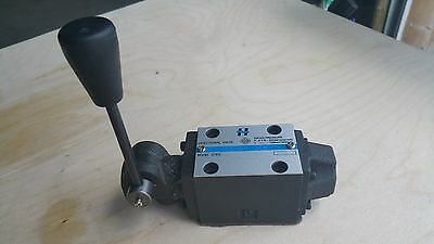 manual operated directional control valve 16gpm, CETOP 3, NG6