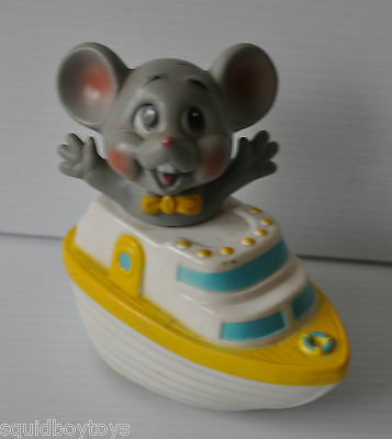 vintage WIND-UP TOY MOUSE IN A BOAT Made in Japan 1960s °