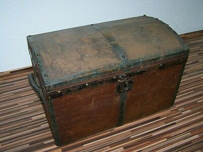 great old Travel cases Wooden Box, Wood chest box, Treasure chest Wood Chest