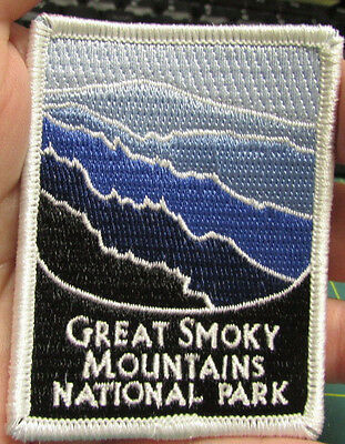New Traveler Series Embroidered Patch - Great Smoky Mountains National Park Tenn