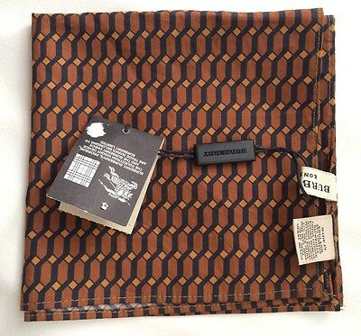 Burberry LONDON square pocket / handkerchief made in England BNWT