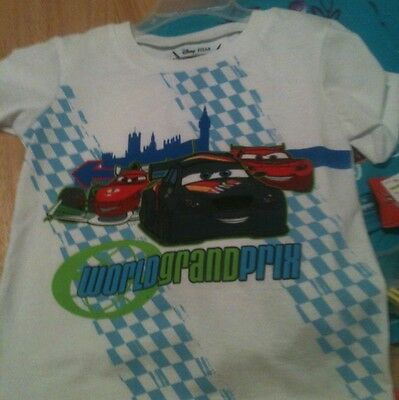 Disney Pixar Cars 2 World Grand Prix Boys White T-shirt 24M    New With Tags.