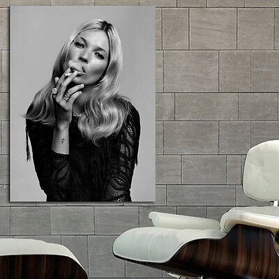 Poster Wall Mural Kate Moss Johnny Depp 35x47 Inch 90x120 Cm On
