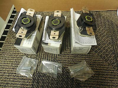 (3) Leviton 2310 Receptacle 20A A Amps 125V Volts Lot Of 3 New In Box