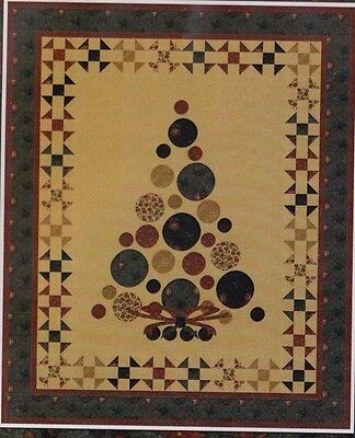 CLEARANCE - Prairie Tree - applique & pieced Christmas quilt PATTERN