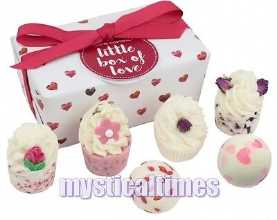 New * Little Box Of Love * Bomb Cosmetics Luxury Wrapped Bath Pamper Gift Set