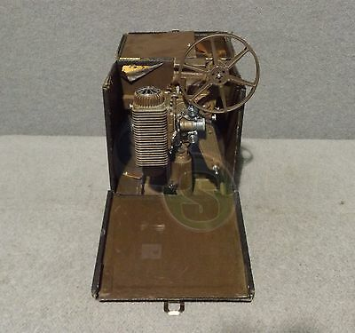 Vintage Revere Model 85 Deluxe 8mm Movie Projector