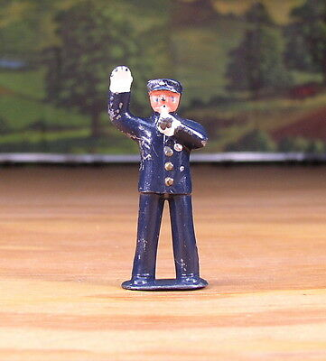 1950s BARCLAY METAL FIGURE LITTLE PEOPLE POLICEMAN #350 O - S SCALE TRAIN LAYOUT