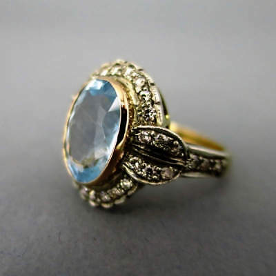 Kostbarer Aquamarinring mit Diamanten in Gold