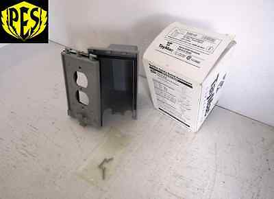 Lot Of 6 Taymac 10510 One Duplex Receptacle For 1 Gang Outlet Enclosure