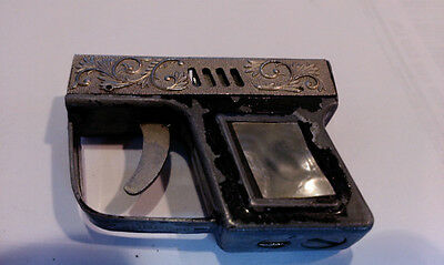 Supreme PISTOL LIGHTER IN WORKING ORDER WITH NEW FLINT PEARL HANDLE
