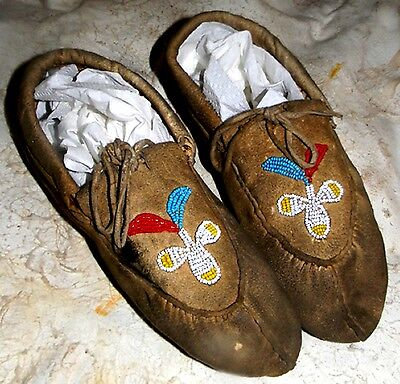 "Vintage Circa 1920 Antique 9.75"" North Dakota Sioux Indian Beaded Moccasins"