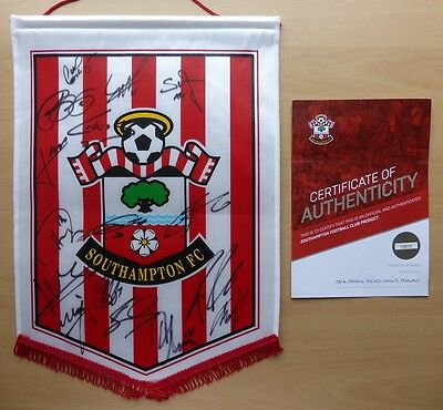 2015-16 Southampton Squad Signed Pennant with Official COA (9142)