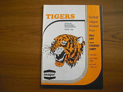 HULL CITY v STOCKPORT COUNTY - APRIL 20th 1982