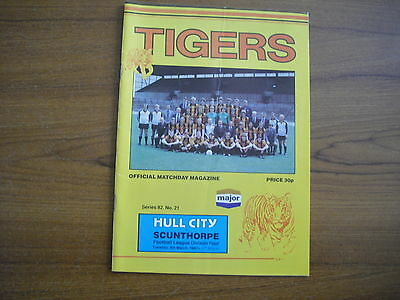 HULL CITY v SCUNTHORPE UNITED - MARCH 9th 1982
