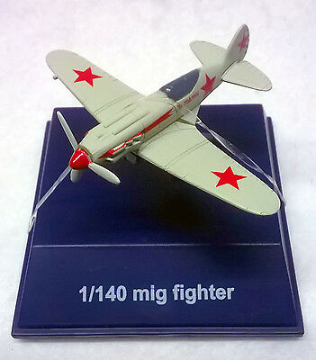WW II Mig Fighter Diecast Model Plane by NewRay w/Display Case