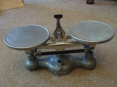Vintage Welch Scientific Double Pan Balance Scale 10 grams Works