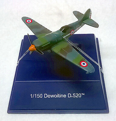 WW II Dewoitine D.520 Diecast Model Plane by NewRay w/Display Case
