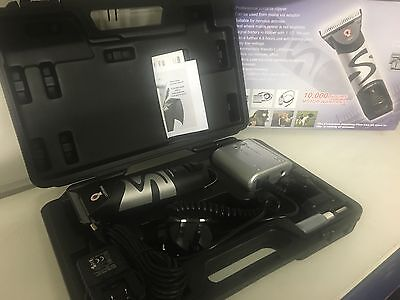 Liveryman Harmony Plus 1 blade battery pack Cordless Horse Clippers Clipper